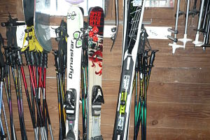 Ski equipement