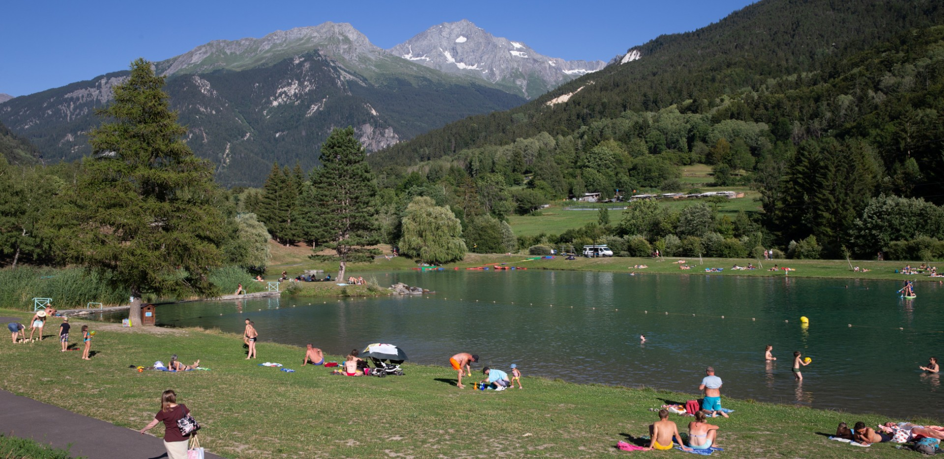 Swimming, activity, relaxation - Bozel's Valley